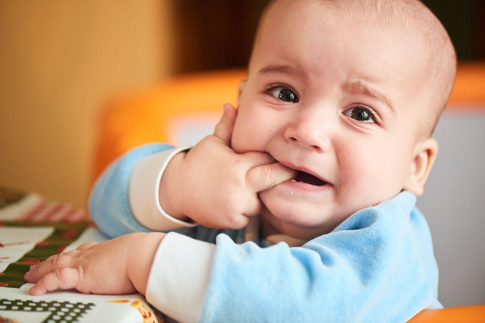 Bukan Cuma Ngeces Ini 9 Tanda Bayi Mau Tumbuh Gigi Kanya Id